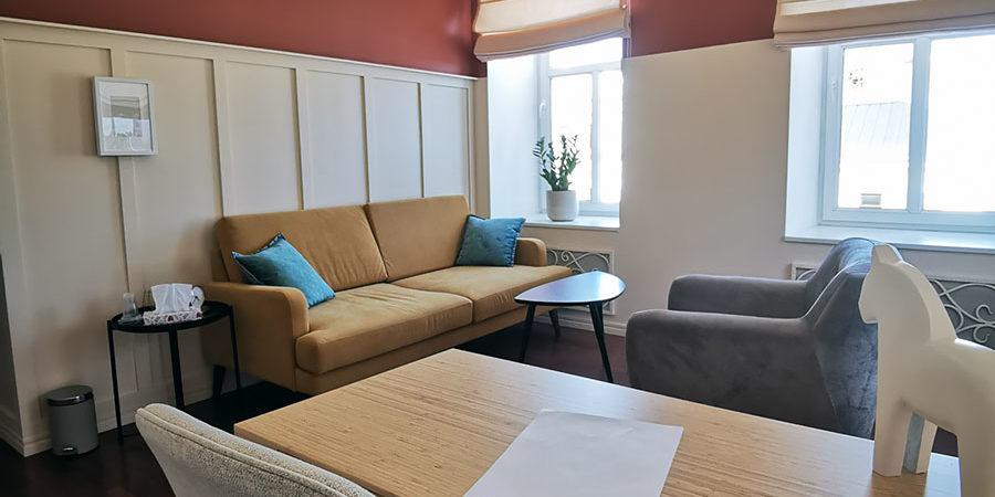 Аренда кабинета психолога со столом