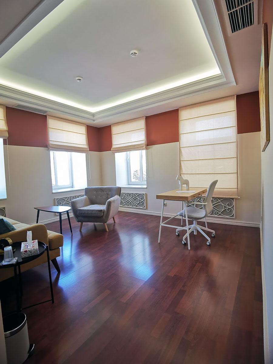 Просторный кабинет психолога в аренду